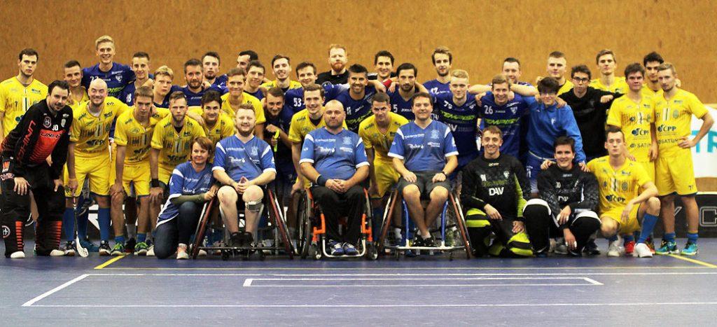 Společná fotka hráčů FBC ABAK Ostrava, 1. SC Tempish Vítkovice a FBC ČPP Ostrava